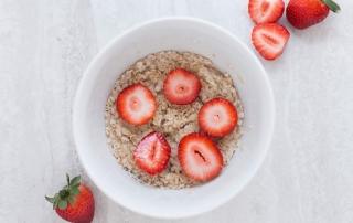 Haferflocken Whey Erdbeeren Frühstück